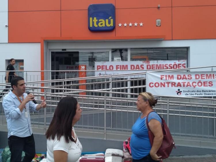 ITAÚ: SINDICATO PROTESTA CONTRA DEMISSÃO DE BANCÁRIA COM CÂNCER