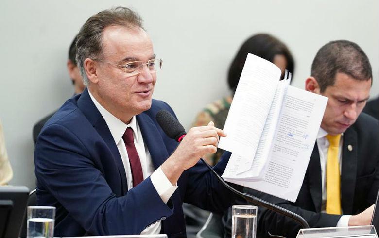 RISCO PERMANENTE: Tirar Previdência da Constituição ainda é a principal ameaça da 'reforma' aos direitos dos aposentados