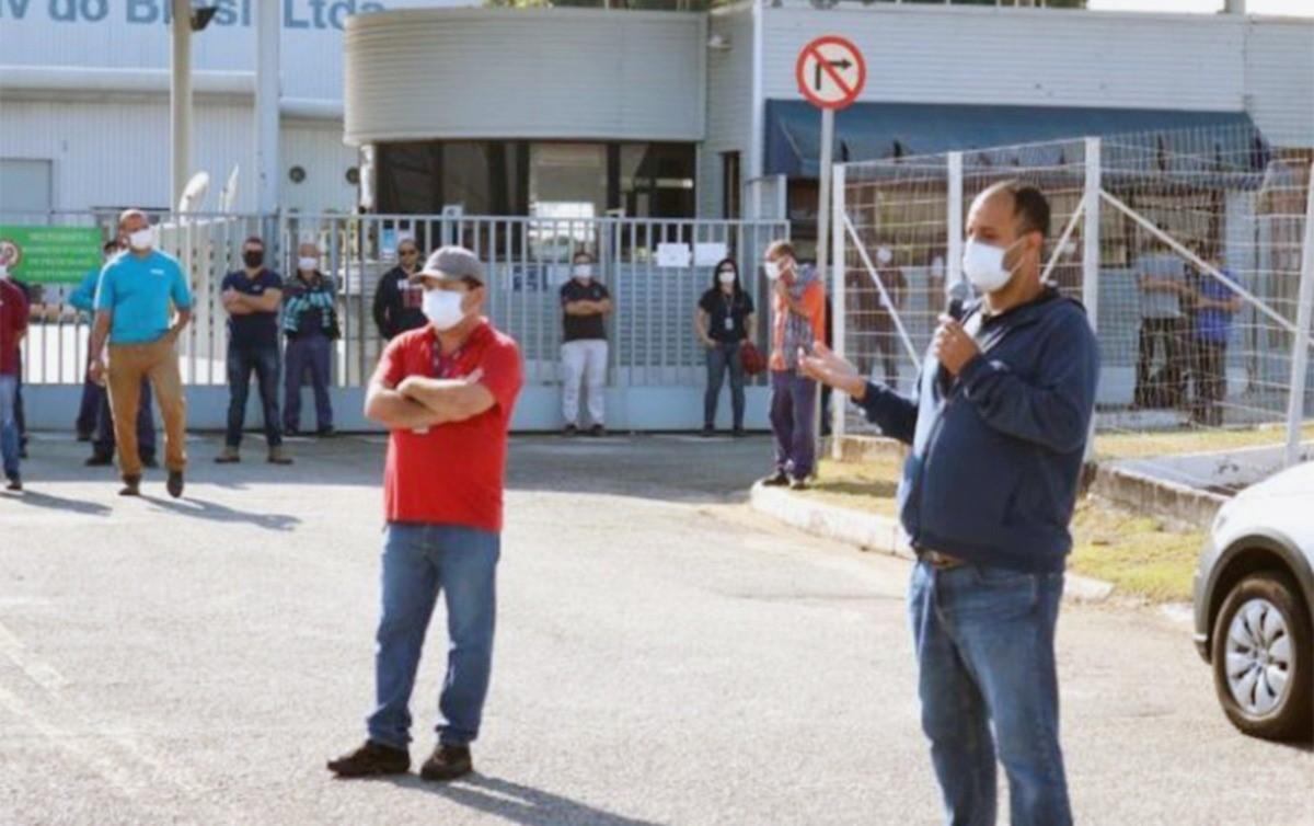 TRT manda indenizar trabalhadora negra presa e puxada em fábrica para 'dar exemplo'